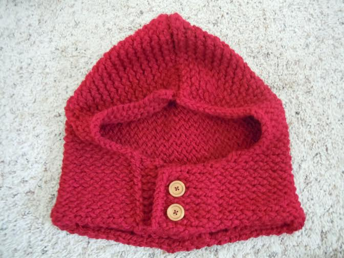 Loom knitted red hood by Jana