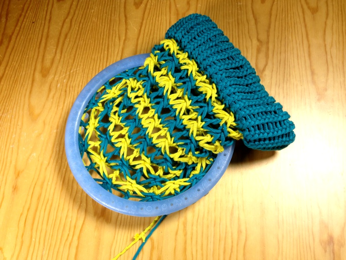 How to loom knit star stitch hat