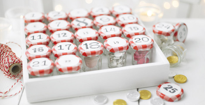 DIY advent calendar made with mermalade jars