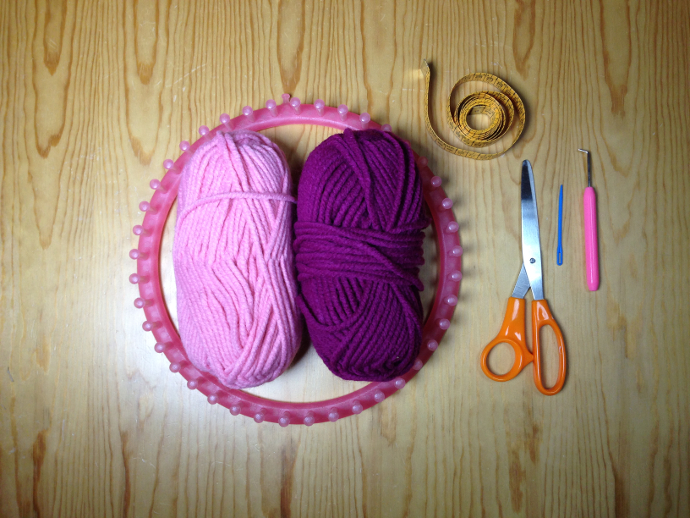 Materiales tutorial gorro bicolor espiral en telar