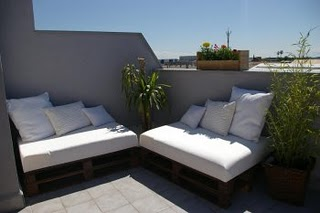 Recicla madera y crea for Sofa chill out exterior