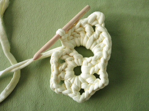 DIY tutorial o manual para tejer flor de crochet de 5 petaloas