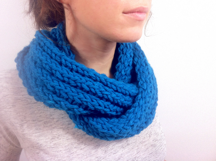loom knitted Infinity scarf