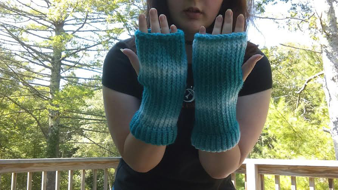 Loom knitted mittens - Brittany T