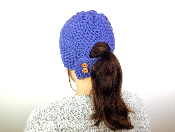 DIY tutorial on how to loom knit a ponytail hat