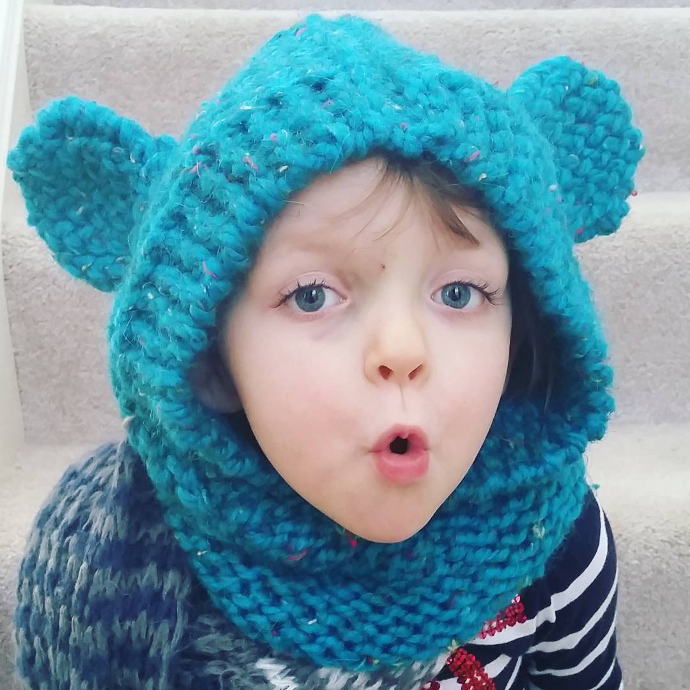 Loom knitted hooded cowl with teddy bear ears by @art.of.em